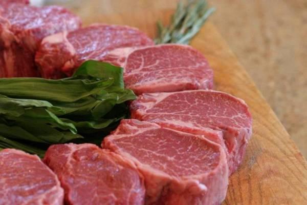 Διανομή κρέατος σε πολύτεκνους της Μεσσηνίας